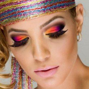 578999-Maquiagem-colorida-para-o-carnaval-produtos.3